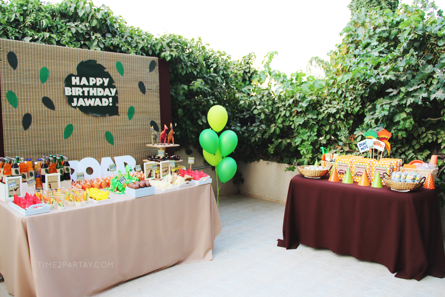 Dinosaur-Themed-Birthday-Party_30