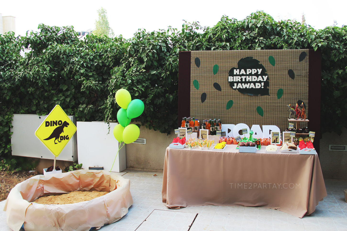 Dinosaur-Themed-Birthday-Party_3