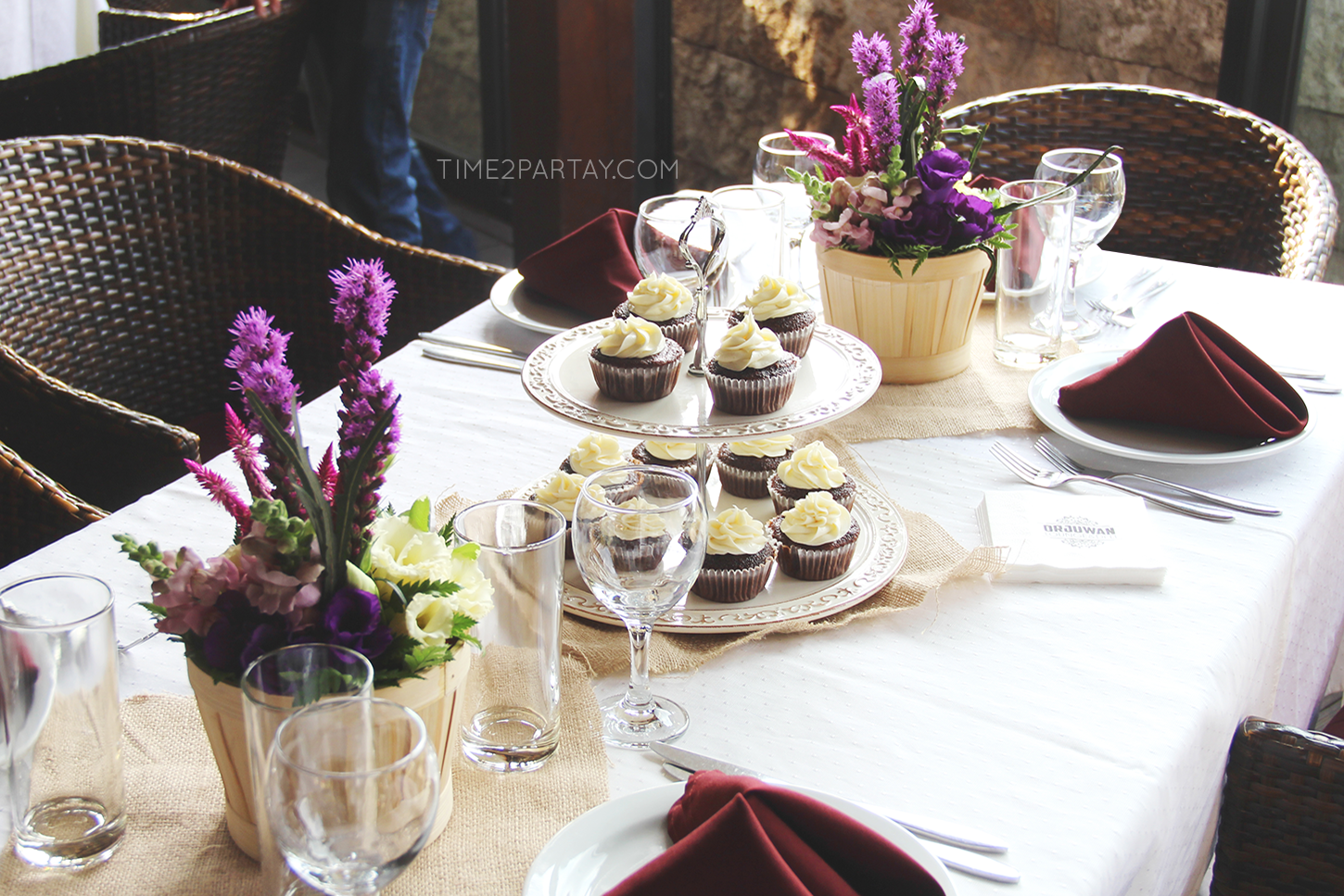 Sweet Cupcake Table 7